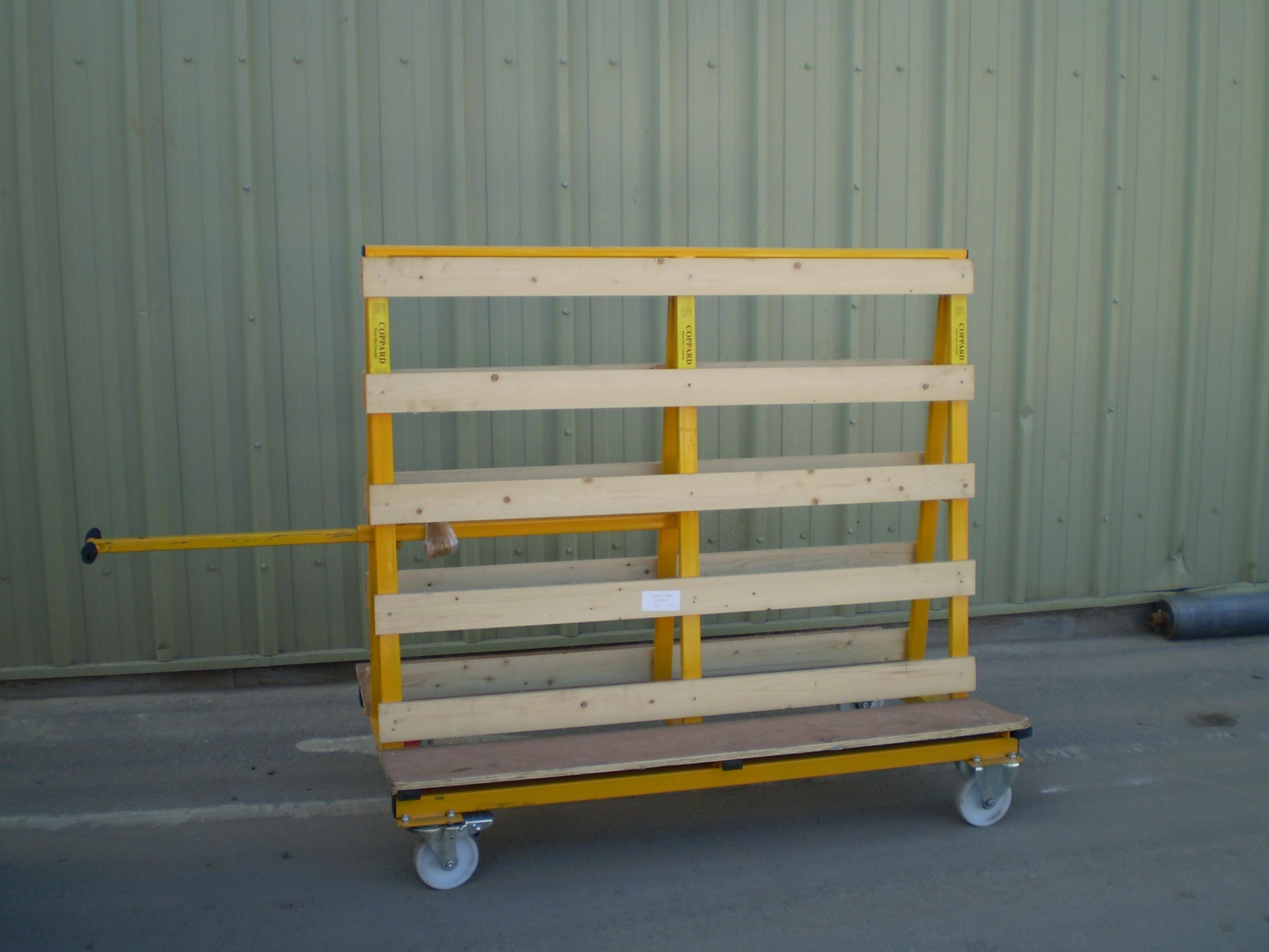 Glass Lifter Hire - Coppard Plant Hire Ltd  Tel 01892 662777